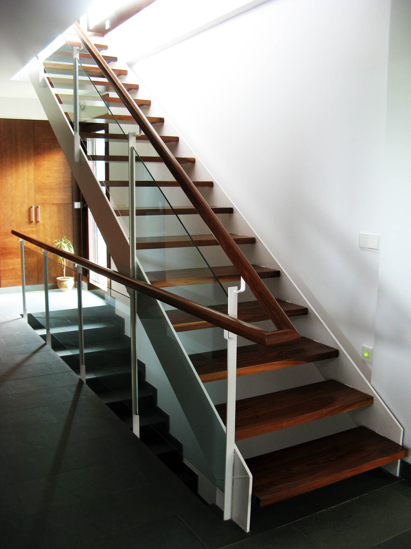 Escaleras intra arquitectos Modelo de viviendas para construir