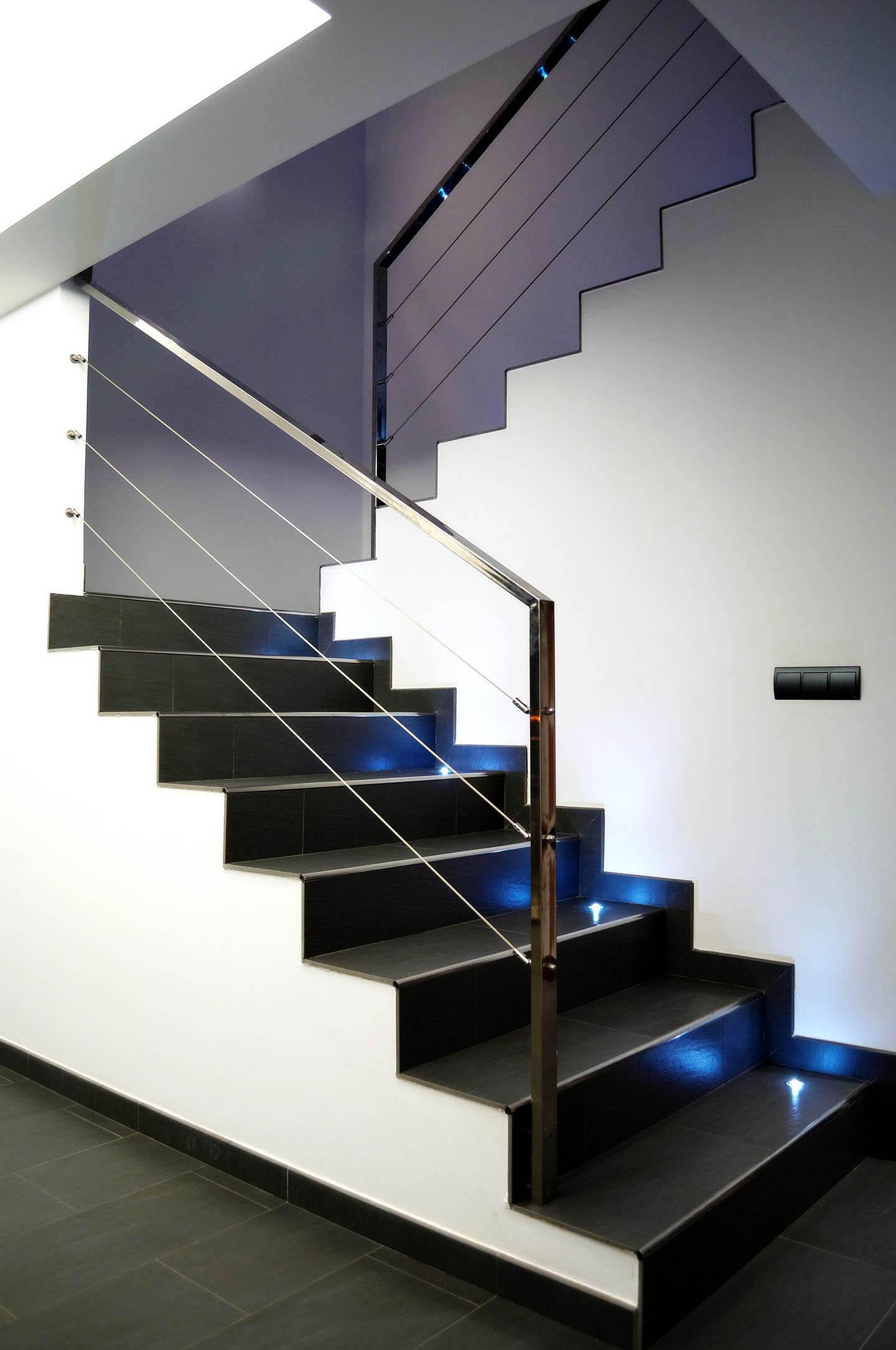 Escaleras intra arquitectos - Disenos de escaleras para casas ...